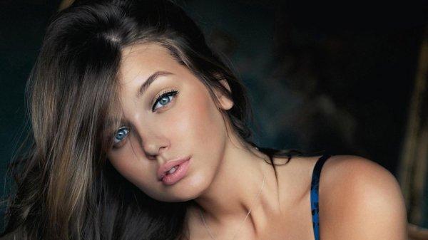 Ярославская модель поздравила мужчин с 23 февраля эротическим фото