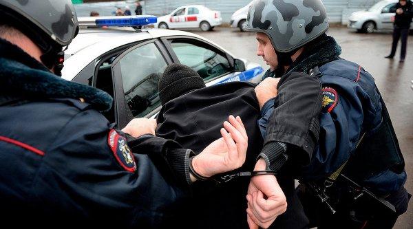Менеджеры автосалона в Москве обманули покупателей на 50 млн руб