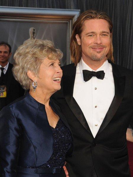 Мать Брэда Питта мечтает о воссоединении сына с Дженнифер Энистон