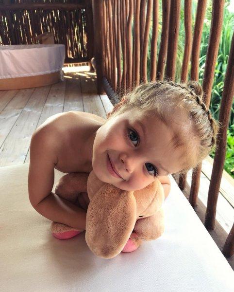 Сеть восторгается красотой дочери модели Лены Перминовой