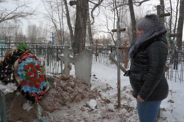 Полиция ищет вандалов, разрывших могилу в Калуге