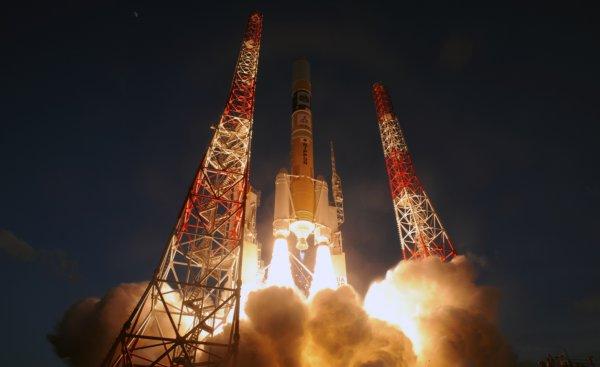 Япония отправила в космос спутник-шпион для борьбы с КНДР