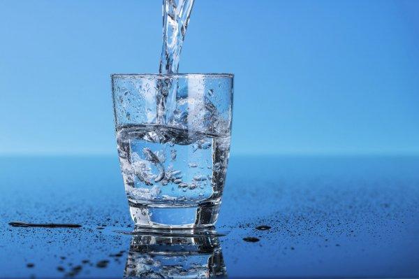 Ученые: Питьевая вода провоцирует развитие рака молочной железы