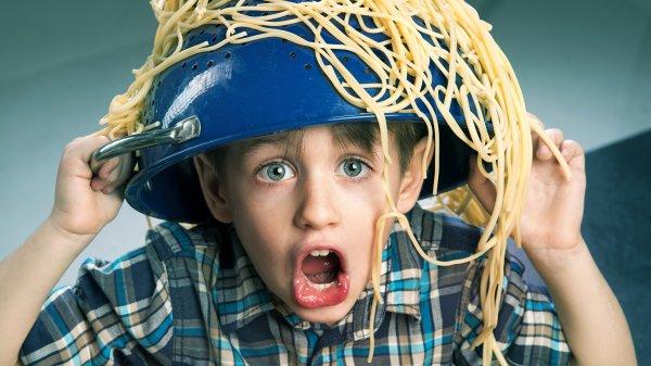 Школьник из Новой Зеландии разозлился из-за запрета носить дуршлаг на голове