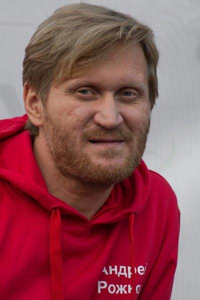 Андрей Рожков ушел с поста директора «Уральских пельменей»