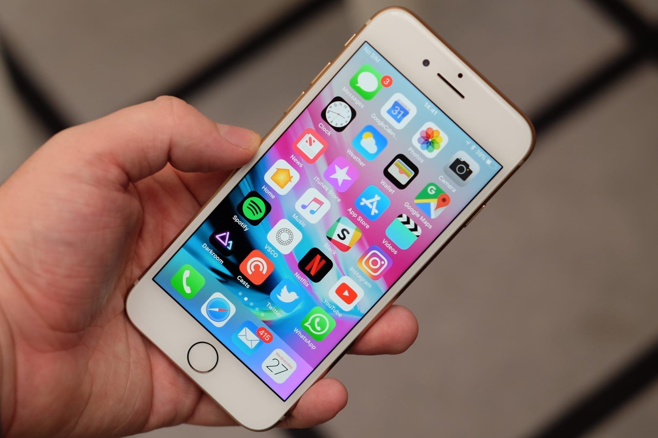В России упал в цене смартфон iPhone 8