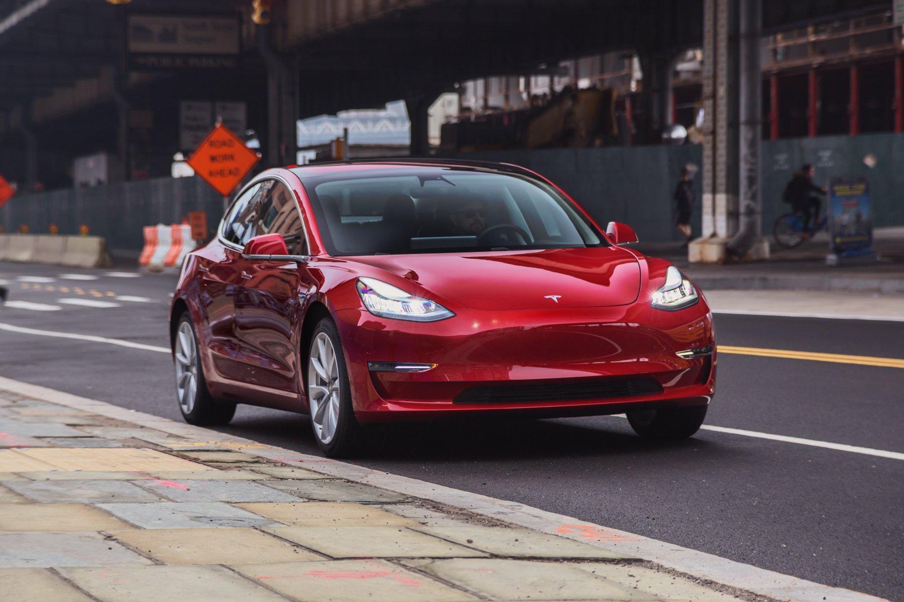 Названы автомобили, которые лучше непокупать в 2018 году
