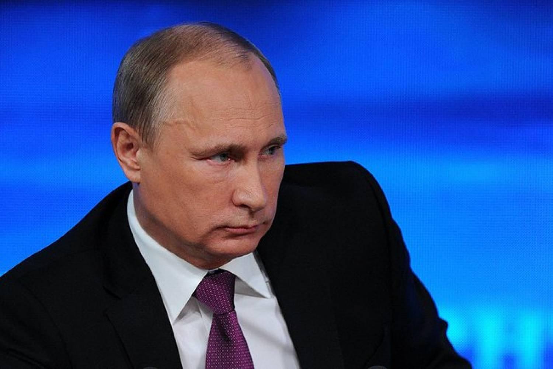 Путин считает неактуальным деление профессий намужские и дамские
