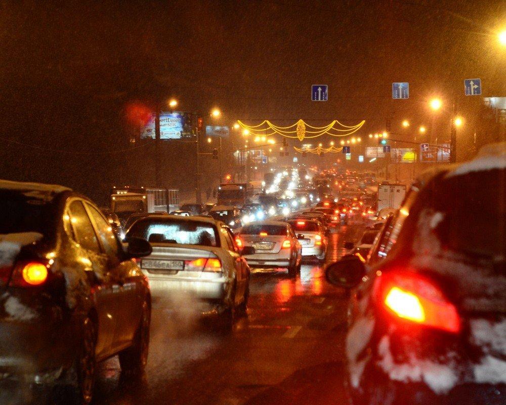 Загруженность столичных дорог оценивается всемь баллов