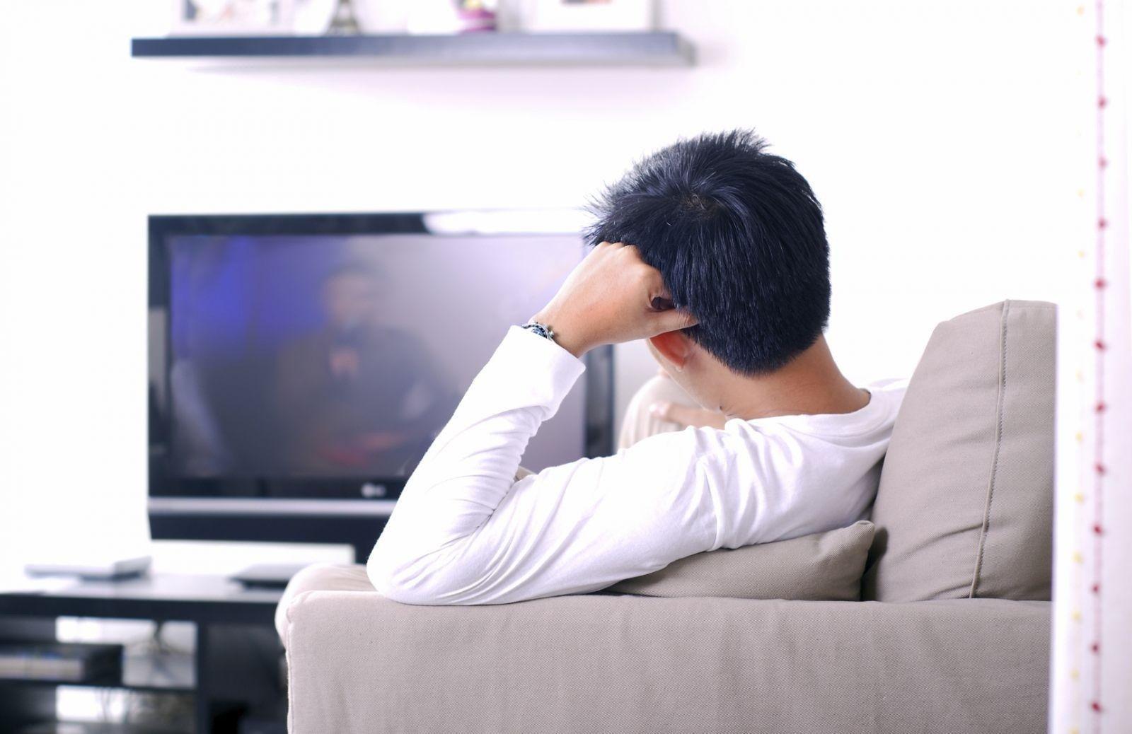 Ученые рассказали, чем опасен просмотр телевизора для мужчин