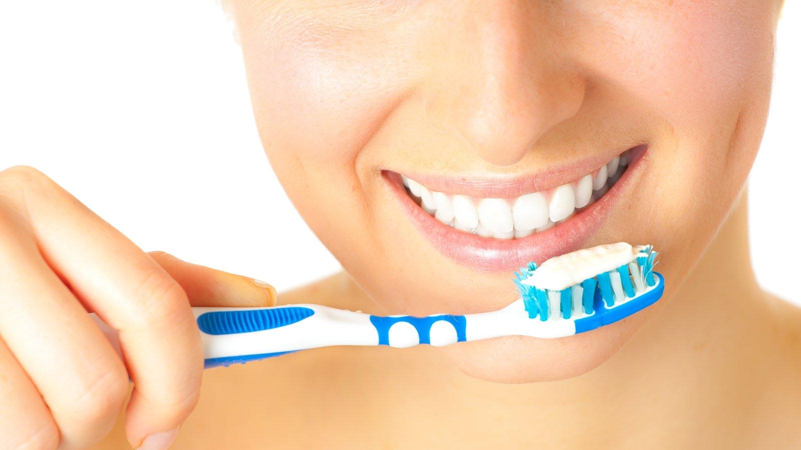Отличные зубные пасты непомогают сохранить зубы