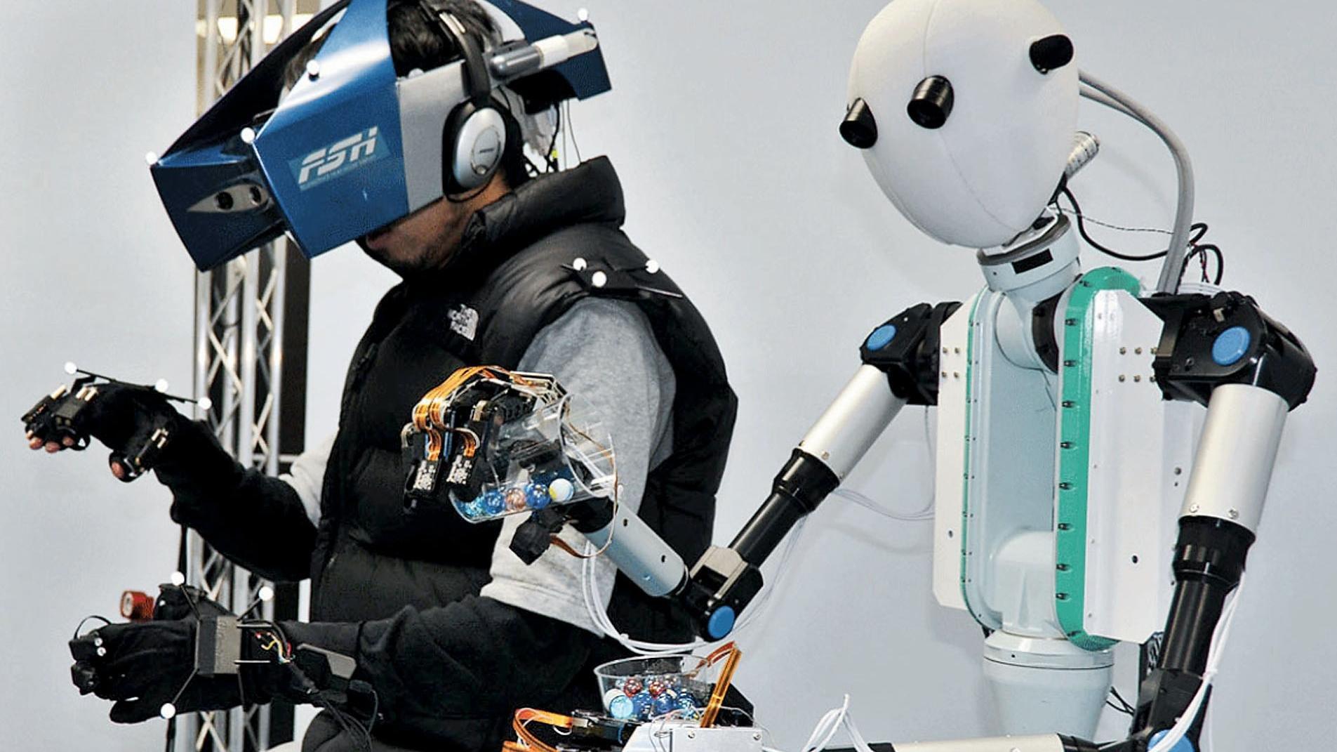 Японские инженеры опубликовали кадры испытаний жуткого, однако многообещающего робота-аватара