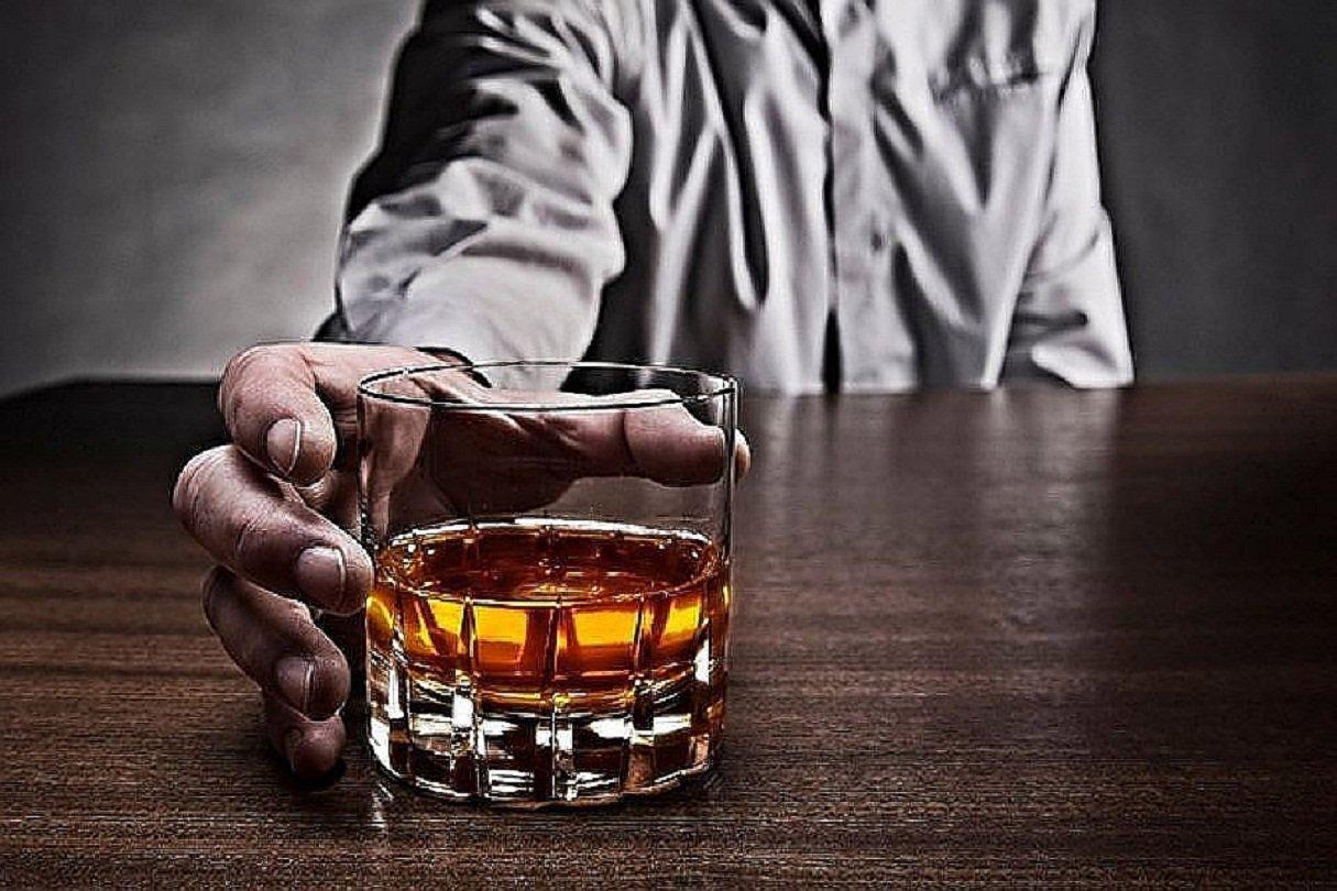 Спирт  назвали первопричиной  еще одного хронического заболевания