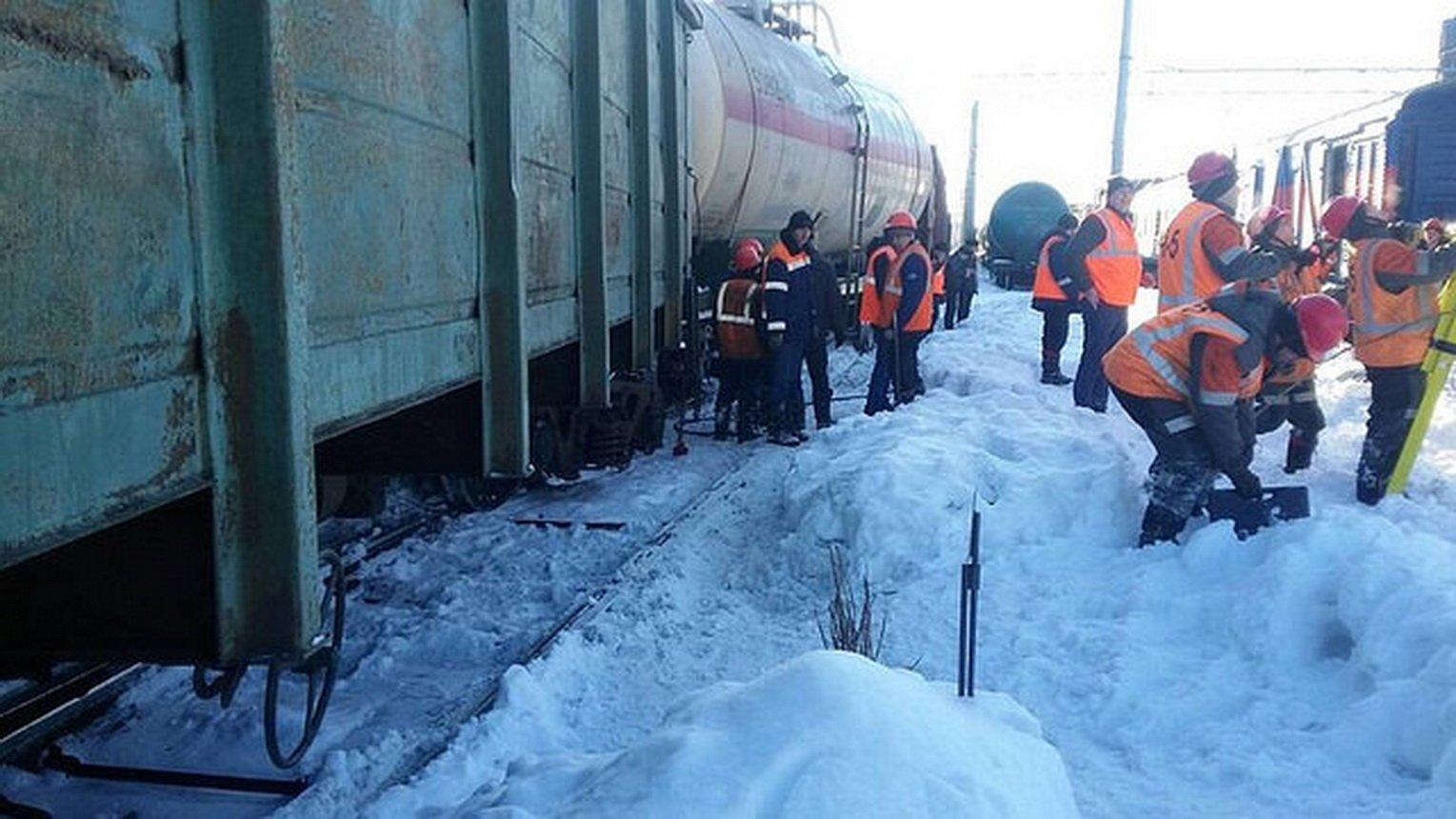 Сошедший срельсов вагон убил 2-х рабочих под Самарой