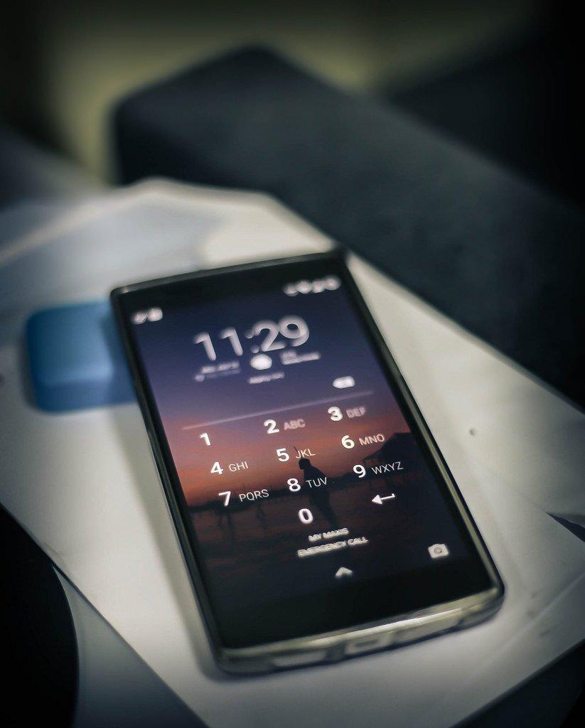 Названы цены на смартфон One Plus 6