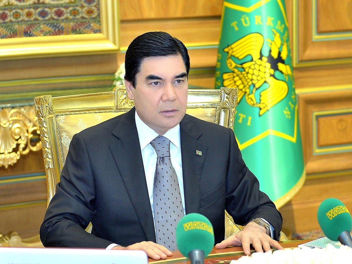 Руководитель Туркмении спел песню «Каракум» советской группы «Круг» вчесть 8марта
