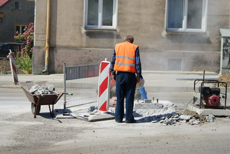 ВТаганроге, где из-за аварии надороге канализация затопила несколько улиц, введут режимЧС