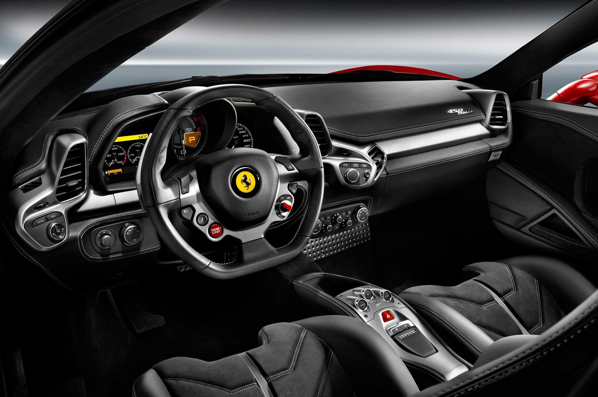 Озвучены самые известные опции для люксовых авто русского рынка