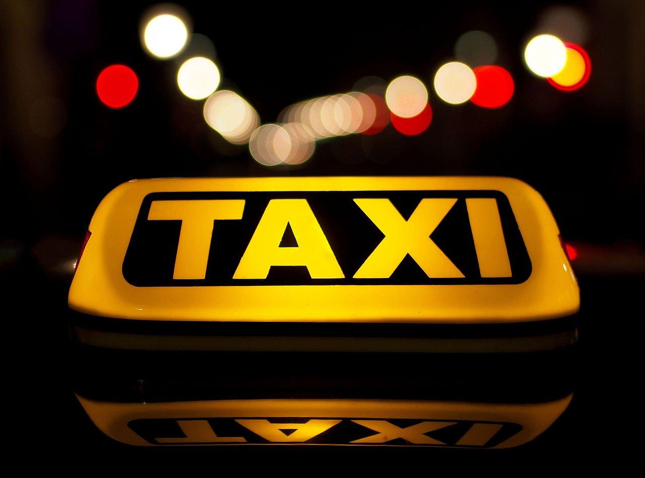 «Яндекс.Такси» тестирует систему авторизации водителей полицу иголосу