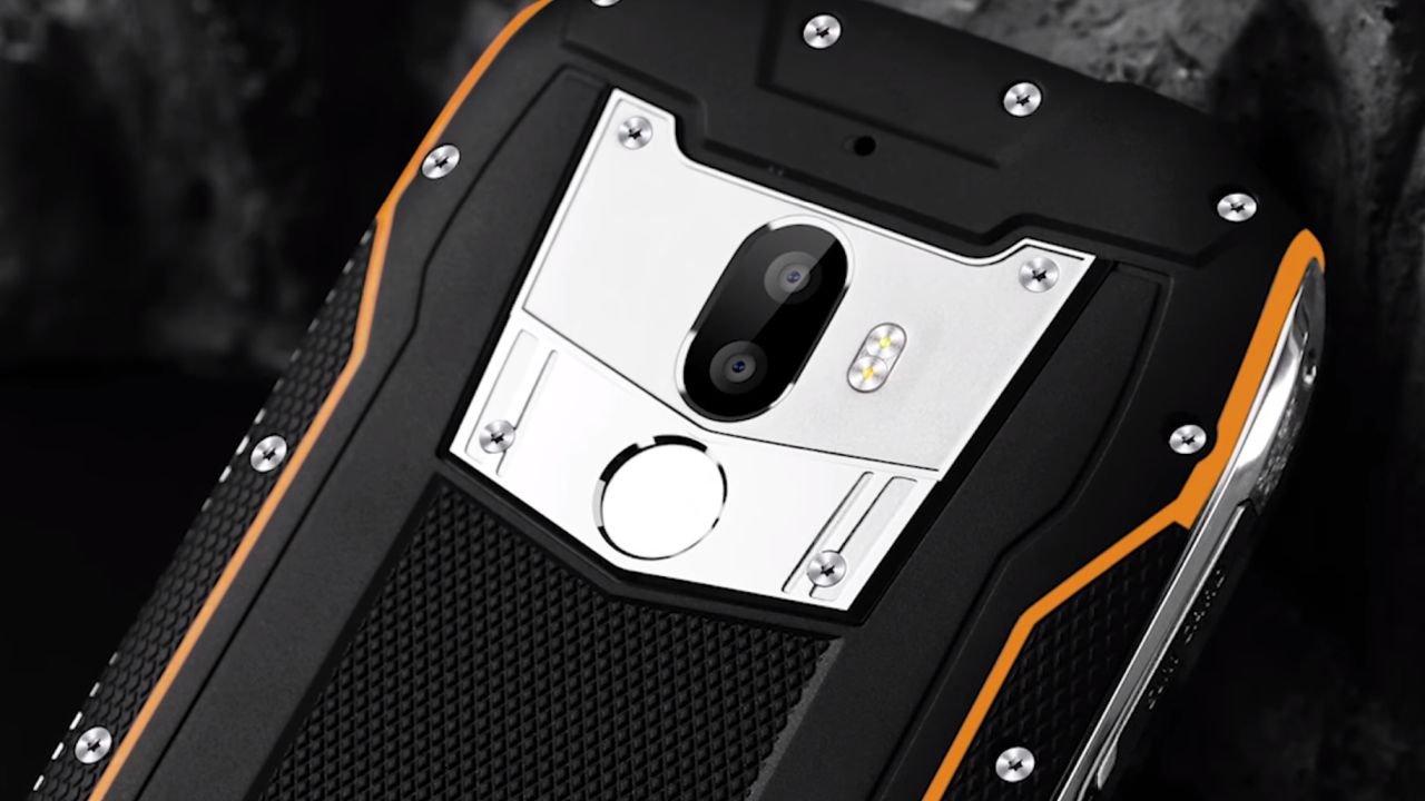 Сверхпрочный смартфон Oukitel WP5000 появится впродаже вскоре