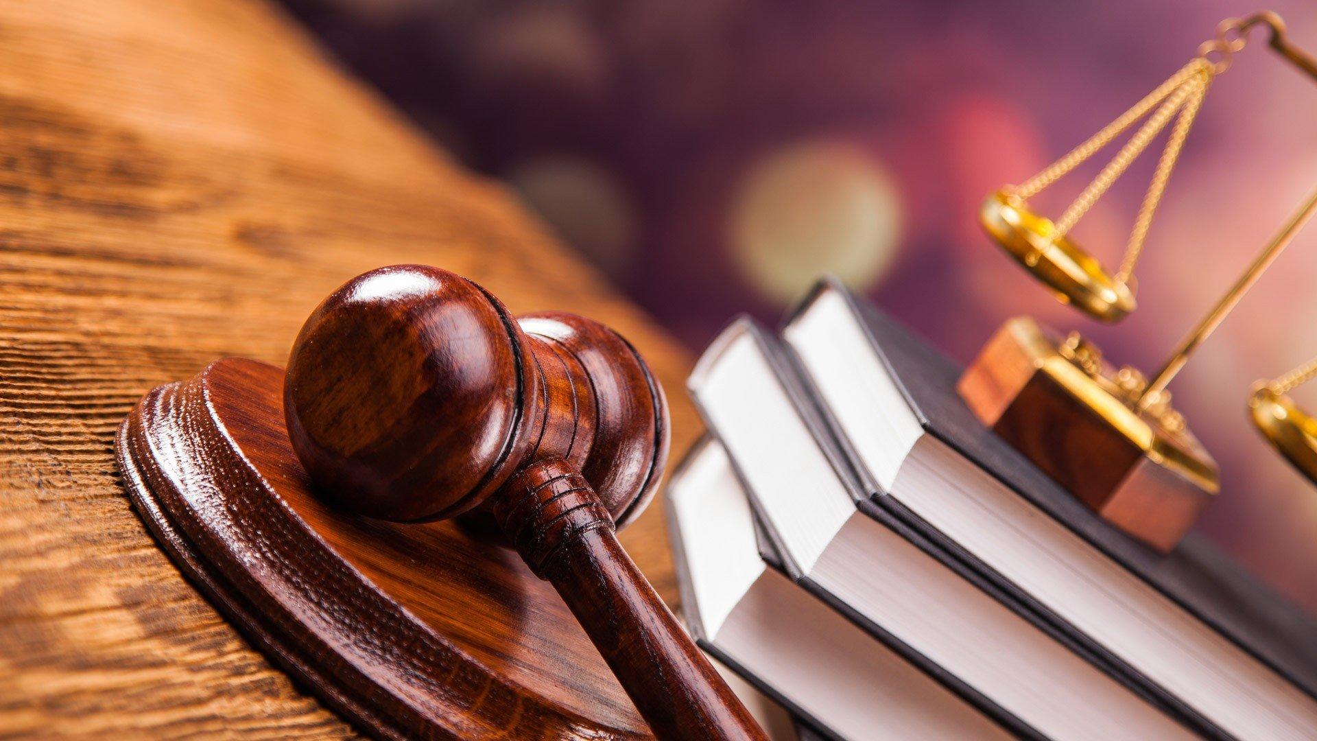 Суд отвергнул жалобы СМИ наблокировку публикаций поделу Дерипаски