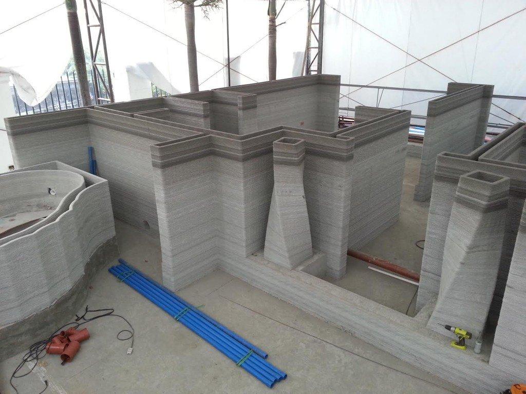 3D-печатные стены измонтажной пены помогли французам построить монолитный дом