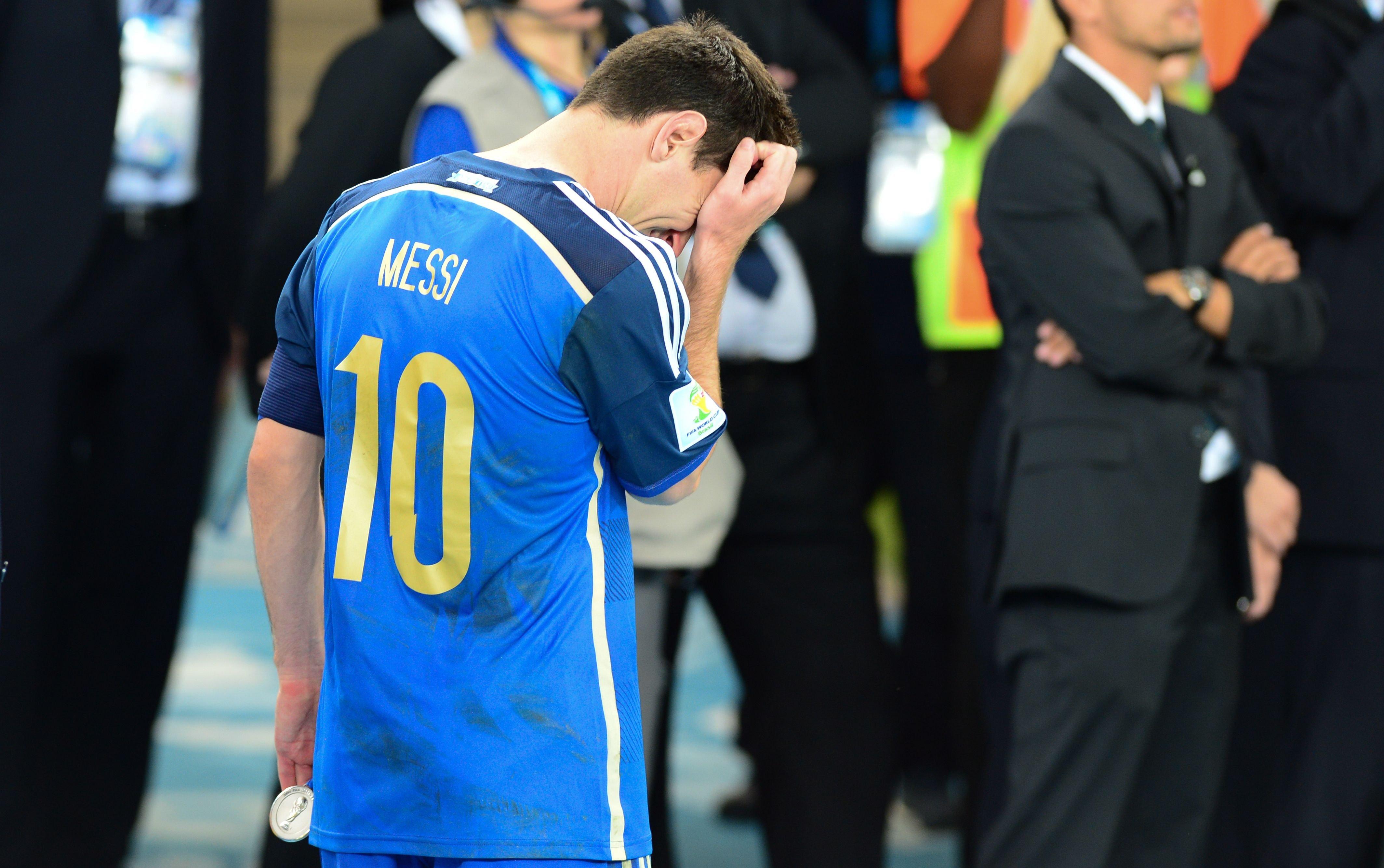 Сборная Испании пофутболу разгромила команду Аргентины втоварищеском матче