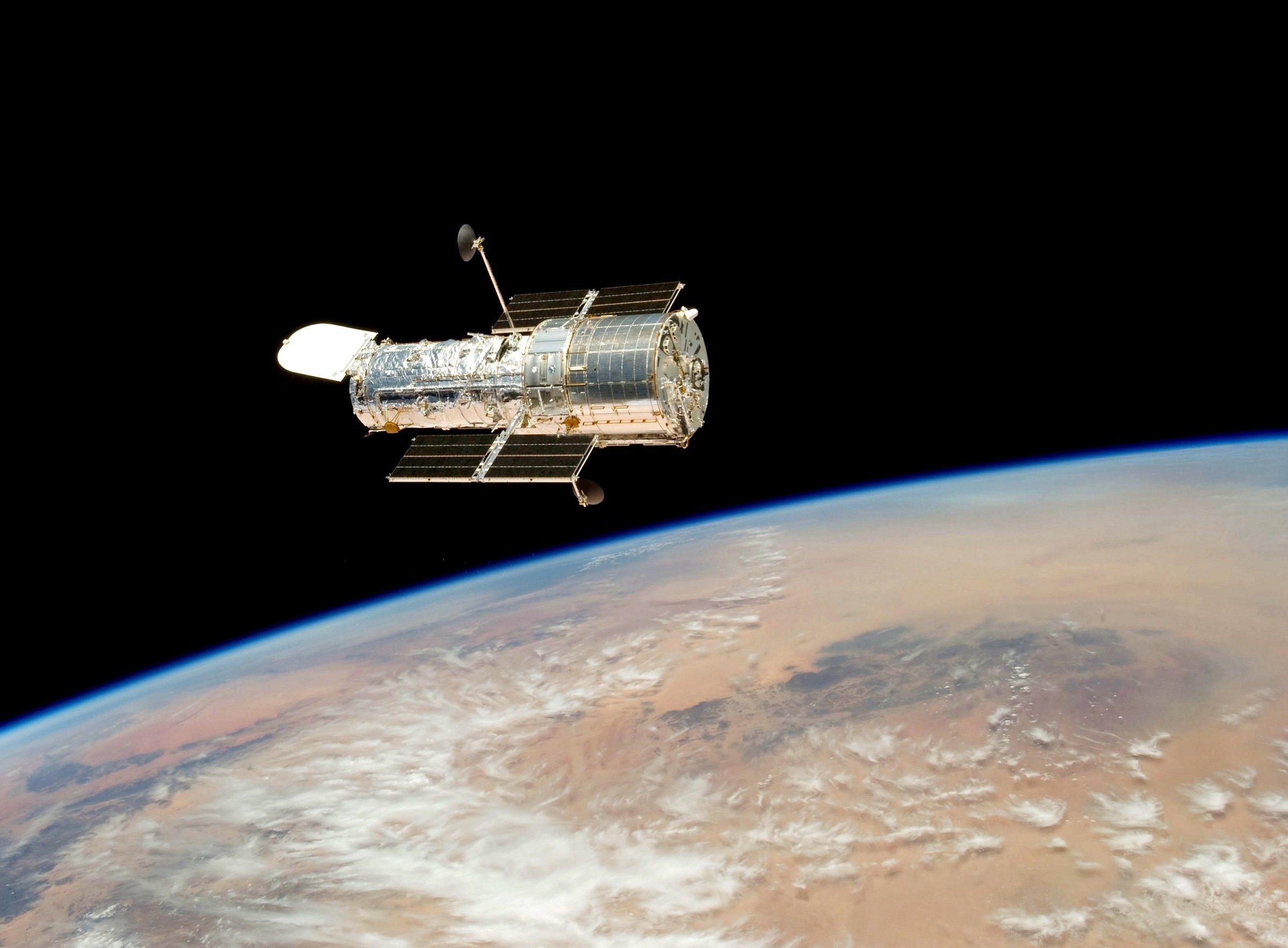 КНР вывел наорбиту два навигационных спутника Beidou