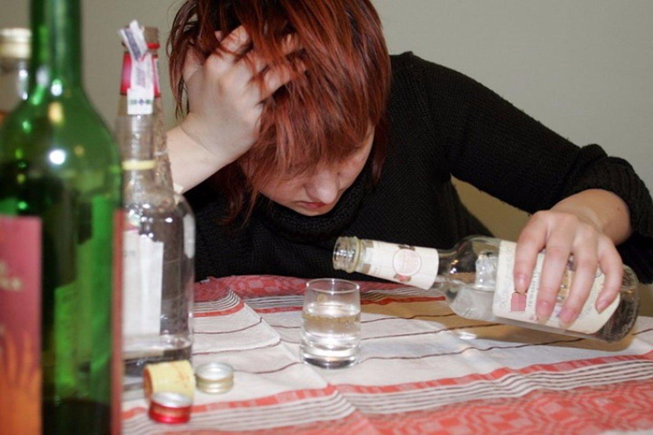 девушка выпила водки видео оговоренный день
