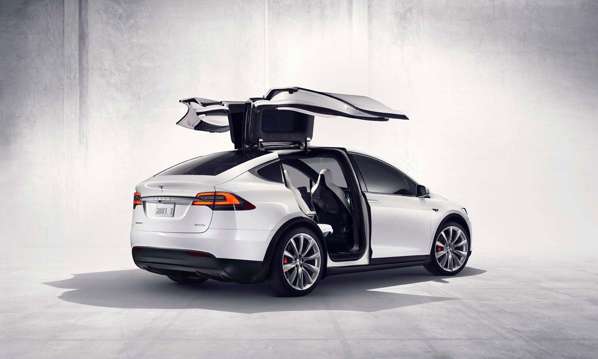 Стали известны детали трагедии Tesla Model X