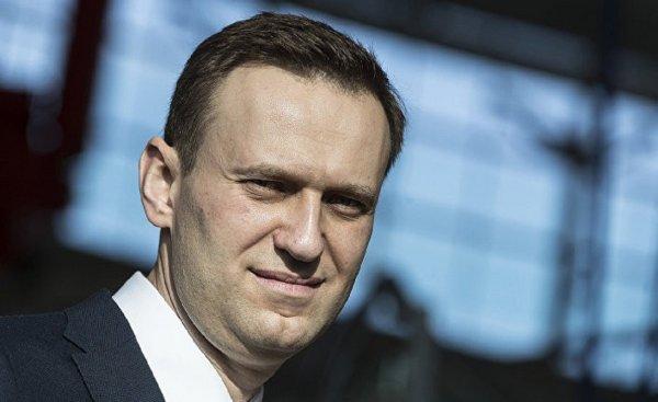 Навальный стал третьим лицом по иску Дерипаски к Насте Рыбке