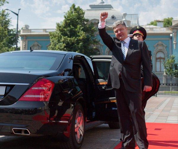Кортеж Порошенко сбил пенсионера в Киеве