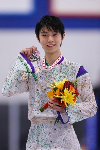 Японский фигурист Ханю пропустит чемпионат мира из-за травмы