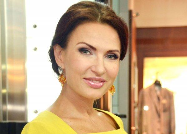 Эвелина Блёданс сменила пол и отрастила усы