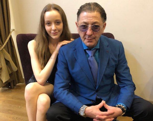 В Сети обсуждают схожесть Григория Лепса и его дочери