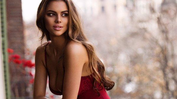Виктория Одинцова в купальнике показала интимное видео