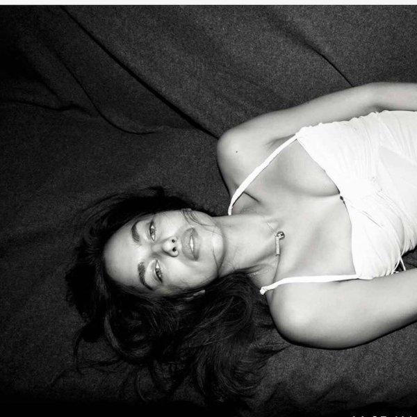 Ирина Шейк возбудила фанатов сексуальным снимком в постели