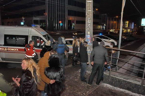 В Киеве ресторан расстреляли из гранатомета