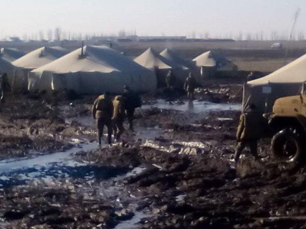 Палаточный городок ВСУ утонул в грязи