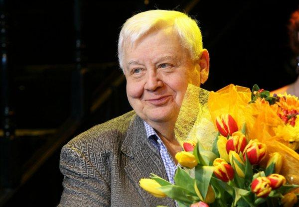 Все вечерние спектакли в МХТ имени Чехова отменены из-за смерти Олега Табакова