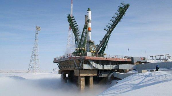 На Байконуре появится подвижная башня для посадки экипажей