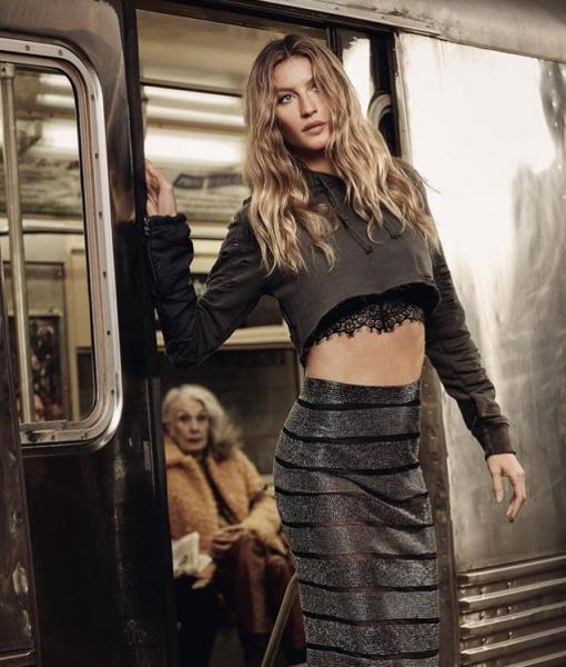 Экс-любовница Ди Каприо устроила откровенную фотосессию в метро