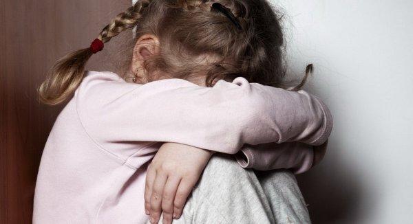 Родители занимались сексом на глазах трехлетнего ребенка