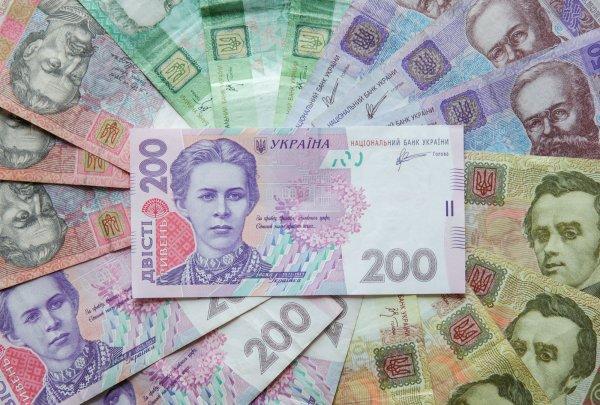 Новая реформа заставит богатых украинцев платить пенсии военным