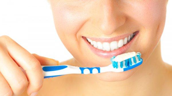 Ученые: Зубные пасты не могут защищать эмаль
