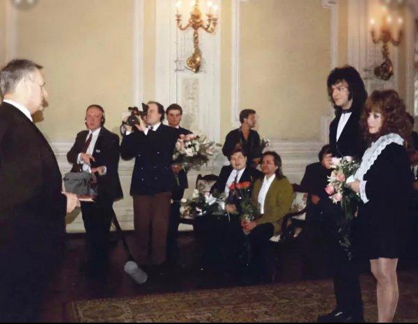 Фанатов растрогали архивные снимки со свадьбы Киркорова и Пугачевой