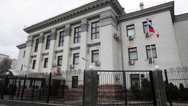 Посольство РФ в Киеве возмущено, что россиянам запретили голосовать в Украине