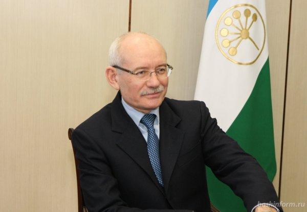 Глава Башкирии признался, что ему не стыдно за зарплаты в республике