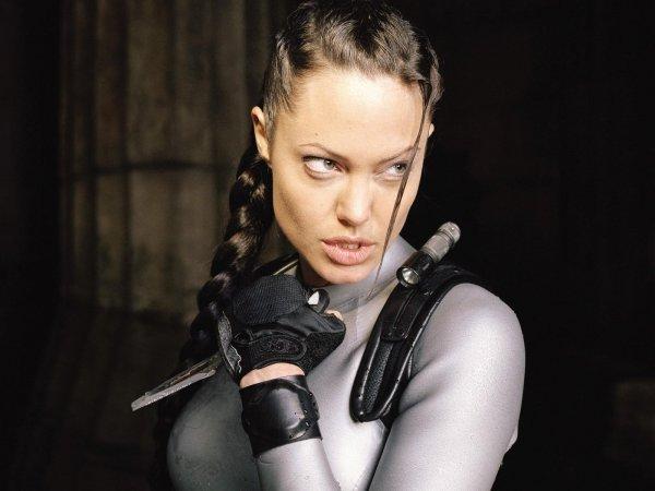 Анджелина Джоли рассказала, как относится к перезапуску «Лары Крофт» с Викандер