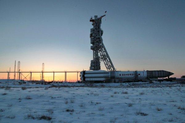 На площадке «Байконура» установили «Союз МС-08»